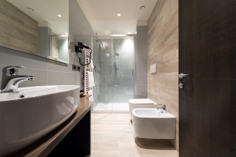 immagine professionale interni bagno albergo