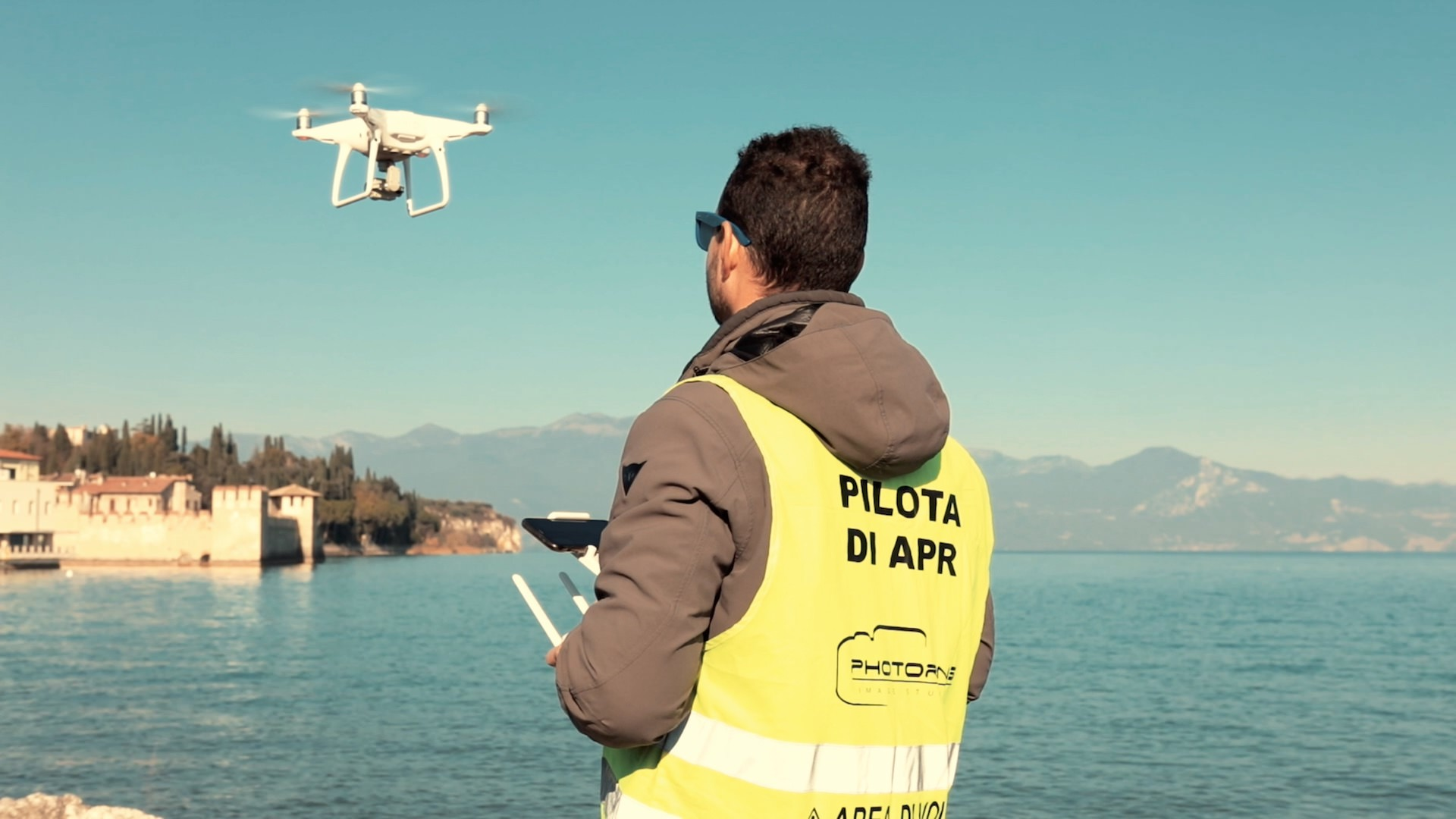 Photoring drone