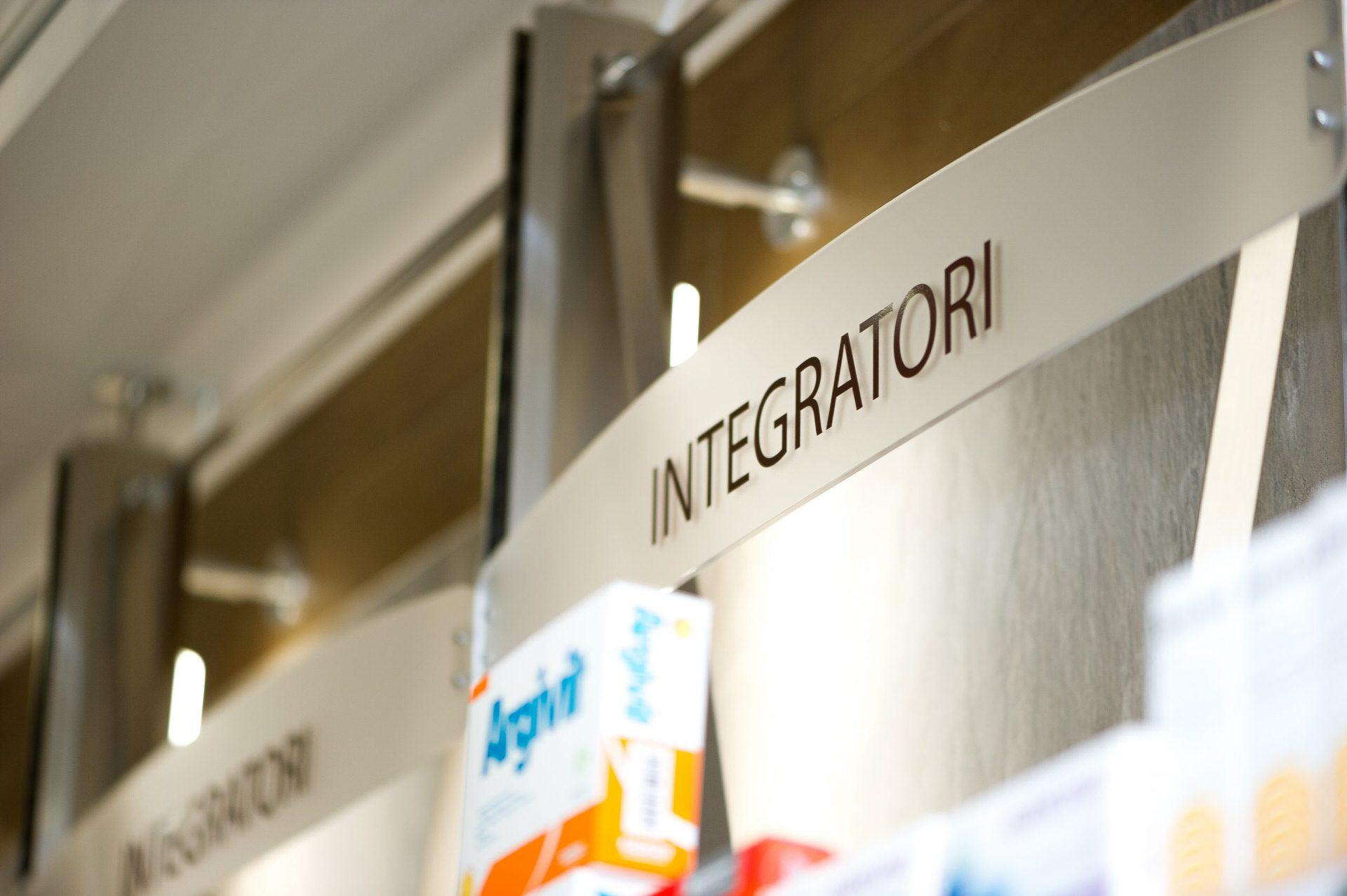 dettaglio fotografico interni farmacia milano